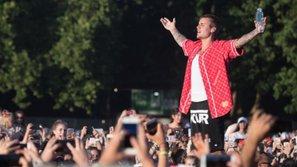 Hàng trăm người lo mất việc sau quyết định hủy tour bất ngờ của Justin Bieber