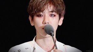 Muôn kiểu đeo lens ảo diệu của Baekhyun khiến fan điêu đứng