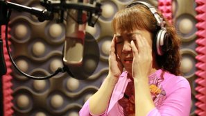 """Giữa """"tâm bão"""", cô Út Phương Mỹ Chi bất ngờ tung ca khúc nói hộ nỗi lòng"""