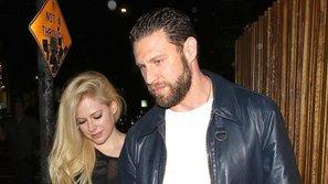 Avril Lavigne hẹn hò với tình cũ của Britney Spears sau đổ vỡ hôn nhân?