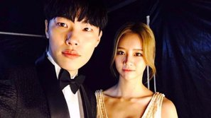 """""""Phim giả tình thật"""": Dispatch tung ảnh Hyeri (Girl's Day) và Ryu Jun Yeol hẹn hò"""
