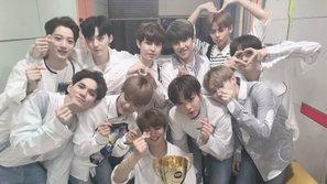 Ra mắt được 10 ngày, Wanna One đã có chiếc cúp đầu tiên và càn quét bảng xếp hạng Gaon hàng tuần