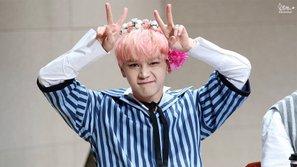 Một nam thần tượng Kpop gây sốc khi thừa nhận rằng mình là người vô tính