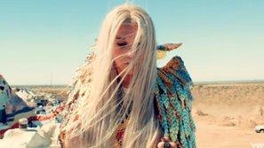 """Kesha lần thứ 2 lên ngôi quán quân Billboard 200 với album """"Rainbow"""""""