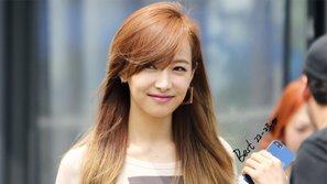 Netizen từ Trung đến Hàn đồng loạt cười ra nước mắt trước khả năng diễn xuất