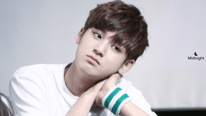 20 khoảnh khắc của Mingyu (Seventeen) hệt như một chàng hoàng tử