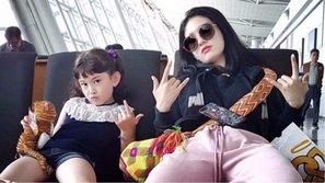 Có cô chị là người nổi tiếng, em gái Somi mới 8 tuổi đã có thể làm 'phóng viên'