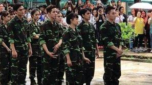 Phản ứng 'siêu cấp' đáng yêu của Sơn Tùng, khi được fan khen mặc đồ lính vẫn tỏa sáng như nam thần