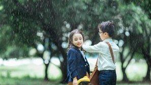 Tranh cãi nảy lửa xung quanh bộ ảnh 'Em gái mưa' phiên bản… siêu nhí