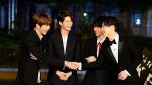 Dàn mỹ nam gồm Baekhyun (EXO), Kang Daniel, Ong Sung Woo (Wanna One),... tỏa sáng trên thảm đỏ ra mắt show thực tế mới