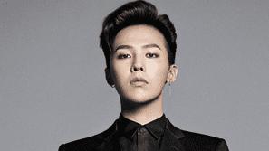 """Ăn mặc như """"bà thím"""" nhưng vẫn chất phát ngất, còn ai ngoài G-Dragon?"""