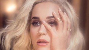 Lộ ảnh Katy Perry đang quay MV mới theo phong cách hoàng gia, cực sang chảnh