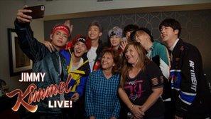 BTS bất ngờ 'bắt cóc' phụ huynh của fan tham dự mini concert trên 'Jimmy Kimmel Live'