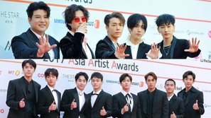 Màn tương tác hài hước giữa Super Junior và EXO tại AAA 2017: Khi 2 nhóm nhạc 'thừa muối' và 'thiếu muối' nhất SM đứng chung sân khấu