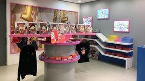 Nhờ hiệu ứng quá tốt tại Hàn, TWICE mở hẳn một cửa hàng siêu cute tại phố Hongdae