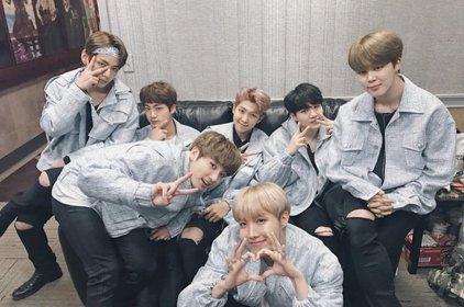"""BTS minh chứng cho câu nói """"Teamwork makes dreamwork"""""""