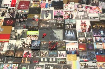"""Thói """"cuồng mua"""" album thần tượng trở thành đề tài nóng trên Thời sự Hàn Quốc"""