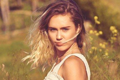 Tạm biệt cầu sắt, đây mới đích thực là Miley Cyrus khán giả mong đợi!