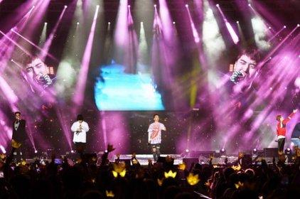 Big Bang, TVXQ & SHINee lọt top 10 nghệ sĩ có lượng fan trong concert nhiều nhất tại Nhật