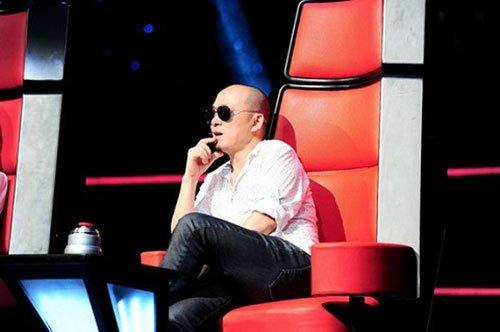 nhạc sĩ quốc trung trên ghế nóng the voice