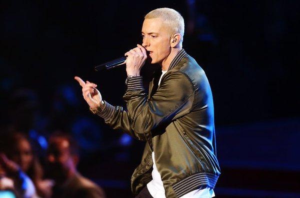 10 ca khúc cực đỉnh của Eminem