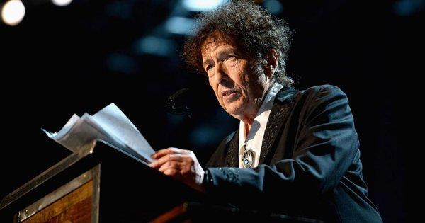 Bob Dylan vắng mặt trong lễ trao giải Nobel Văn học 2016