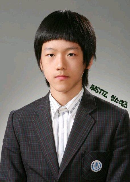 Hài hước loạt ảnh ngày trước debut mà idol Kpop nào cũng muốn giấu nhẹm đi