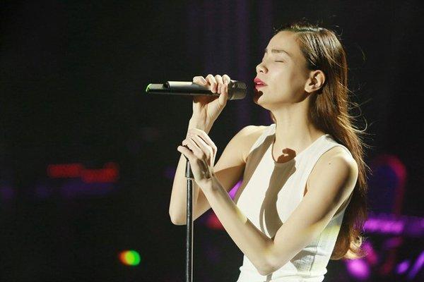 """Hồ Ngọc Hà tập luyện cho đêm nhạc """"tình đông"""""""