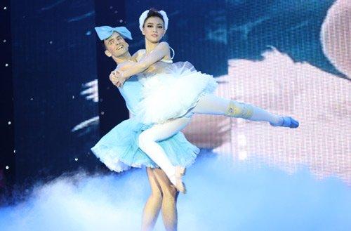 thu thủy quán quân bước nhảy hoàn vũ 2014