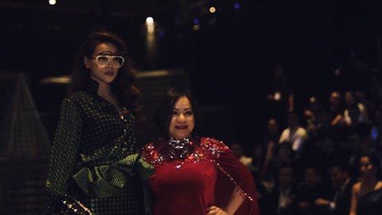 Rộ tin Hồ Ngọc Hà làm giám khảo Next Top Model, Thanh Hằng đăng ngay status 'đá đểu' : Em phải là duy nhất, không thì miễn?