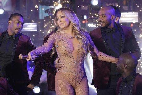 Tu diva hoa tham hoa : Mariah Carey dang bien minh thanh tro cuoi cho lang giai tri - Anh 3