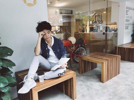 Sang uong tra, chieu dan ca: Co nghe si nao song thanh thoi nhu Vu Cat Tuong? - Anh 6