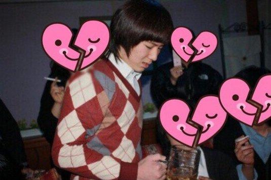 Sao Hàn hút thuốc uống rượu bia