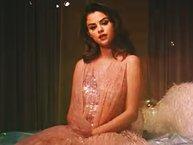 Choáng: Selena Gomez nhắn tin cho CEO của Facebook và yêu cầu một điều cực gắt!