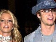 Britney Spears khiến fan phấn khích tột độ khi nhảy múa trên nền nhạc do... tình cũ thể hiện!