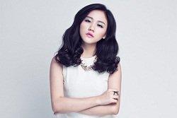 Văn Mai Hương tạm dừng ca hát để điều trị chứng trầm cảm
