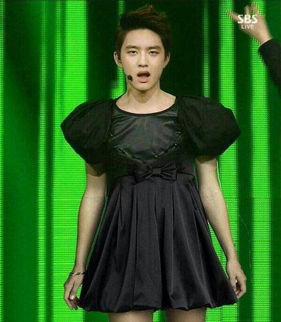 Sao Kpop diện trang phục xấu