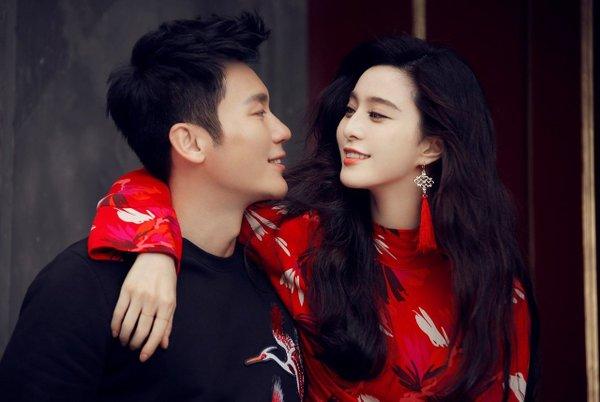 Hàn có Prada, Trung có H&M: 3 đời chọn couple chụp ảnh quảng cáo đều TOANG 1