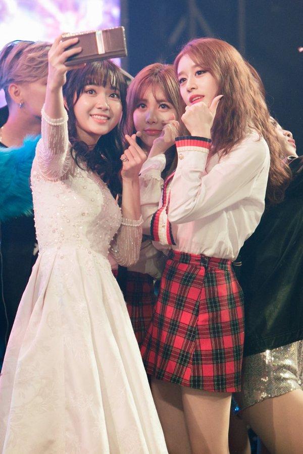 jang mi selfie cùng T-ara